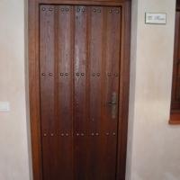 Guadalcanal maderas y muebles | Puerta exterior 2